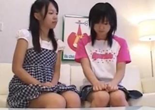 小学生姉妹のレズ動画