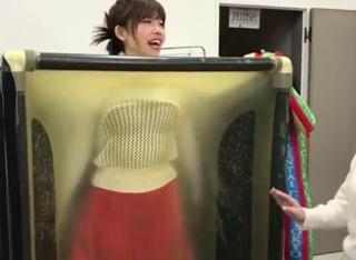 《放送事故》ゲスドルこと中村愛さんが真空パックチャレンジでボディラインくっきりでドスケベ過ぎるw