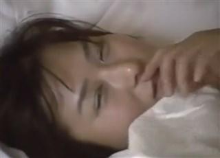 《個人撮影》こんな美少女がジジイとSEX!?円光で小遣い稼ぎする素人娘をハメ撮りした動画がネット流出!
