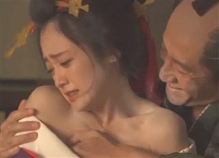 【乳首丸見え!】永遠のロリ 安達祐実さんの美乳が丸見えになるお宝濡れ場シーンがこちらwww
