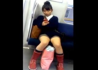 【JCパンチラ盗撮】電車で会った Vol04