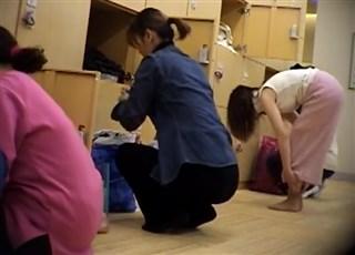 【HD盗撮動画】スーパー銭湯脱衣所隠し撮り!熟れかけ熟女たちのド淫乱ボディを堪能