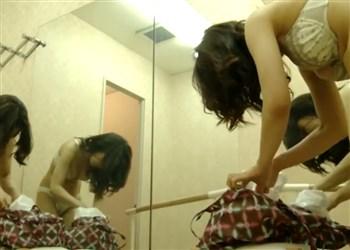 【盗撮動画】経営難のバレエ教室オーナー、美人な教え子の着替え隠し撮り映像を配信してしまう