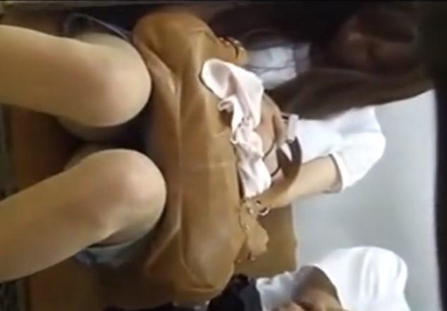 仕事に疲れて電車で爆睡しているS級美人OL、対面パンチラ盗撮し放題www