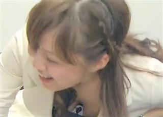 【お宝映像】女子アナたちの胸チラ&パンチラの瞬間をまとめてみたったww