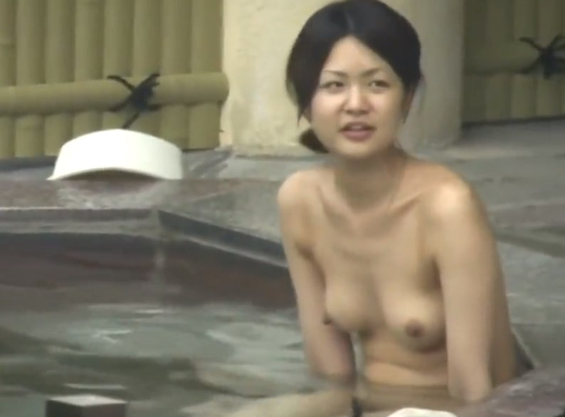 「これでいいんだよ」っていう2人組美乳OLの露天風呂盗撮動画が抜けすぎると話題www